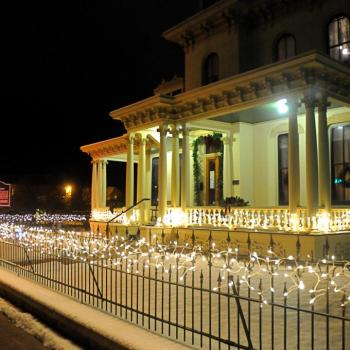 Hubbard House decorated for Christmas