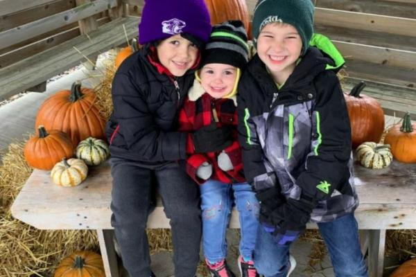 Adorable photo opportunities at Farmamerica's pumpkin party.
